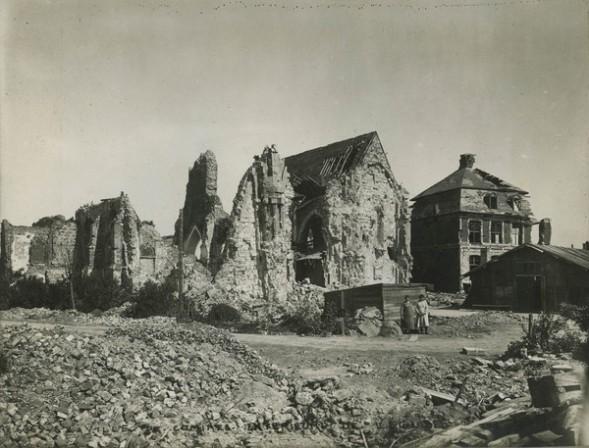 Ruines de l'église de Comines (source bibliothèque municipale de Lille)