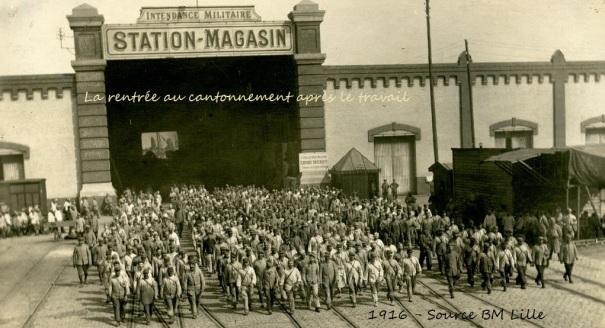 Ouvriers après le travail, Dunkerque, 1GM